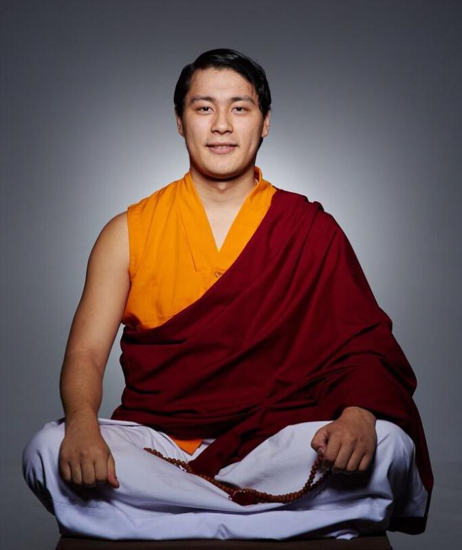 HE Avikirita Rinpoche Seated